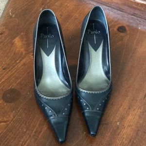 Linea Paolo Navy and pewter pumps